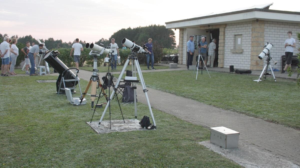 Laser Entfernungsmesser Saturn : Astro foren.com 08 berichte teleskop treffen häufige fachbegriffe